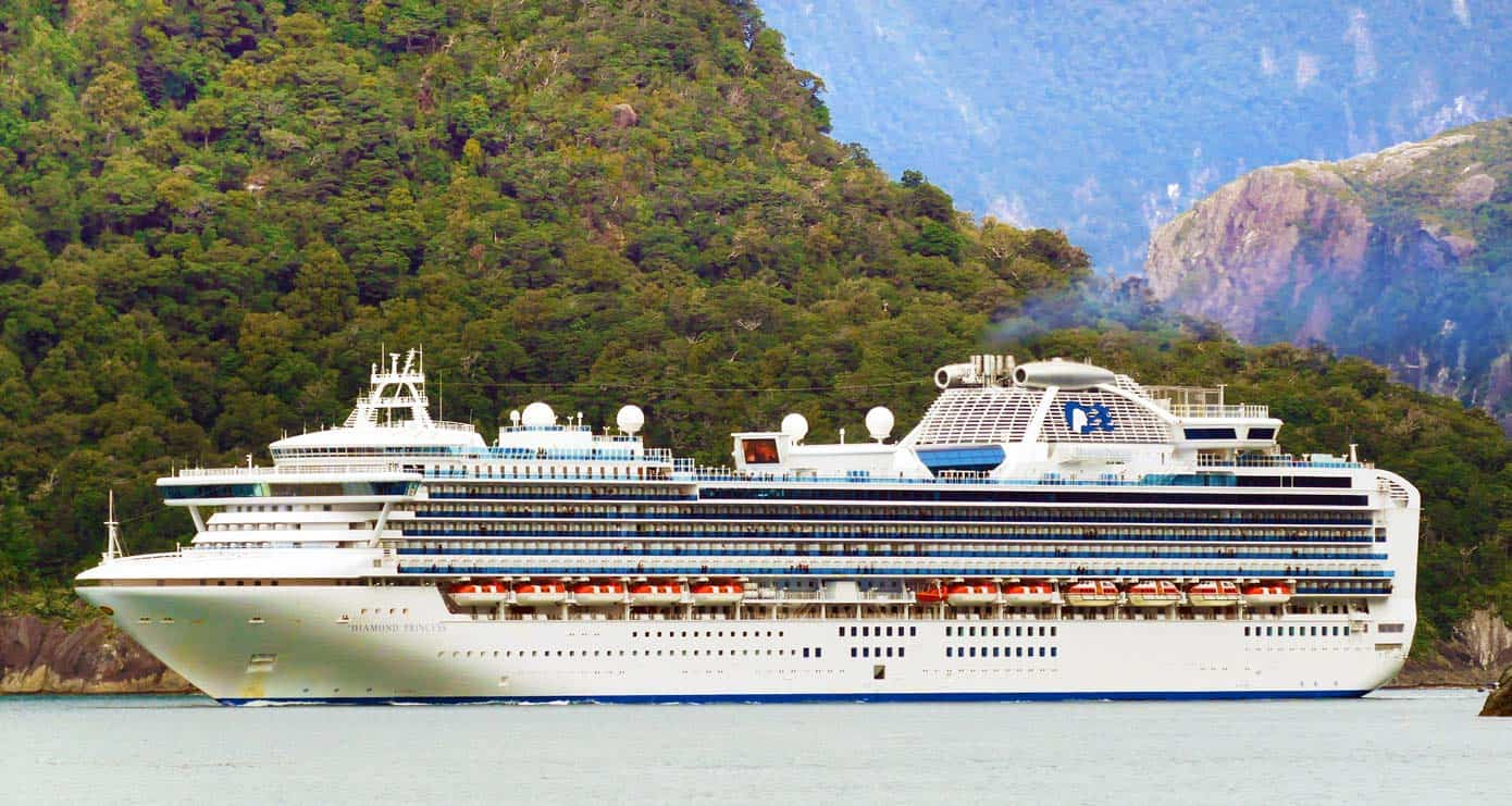 Cruise ship sailing through the Milford Sound, New Zealand.