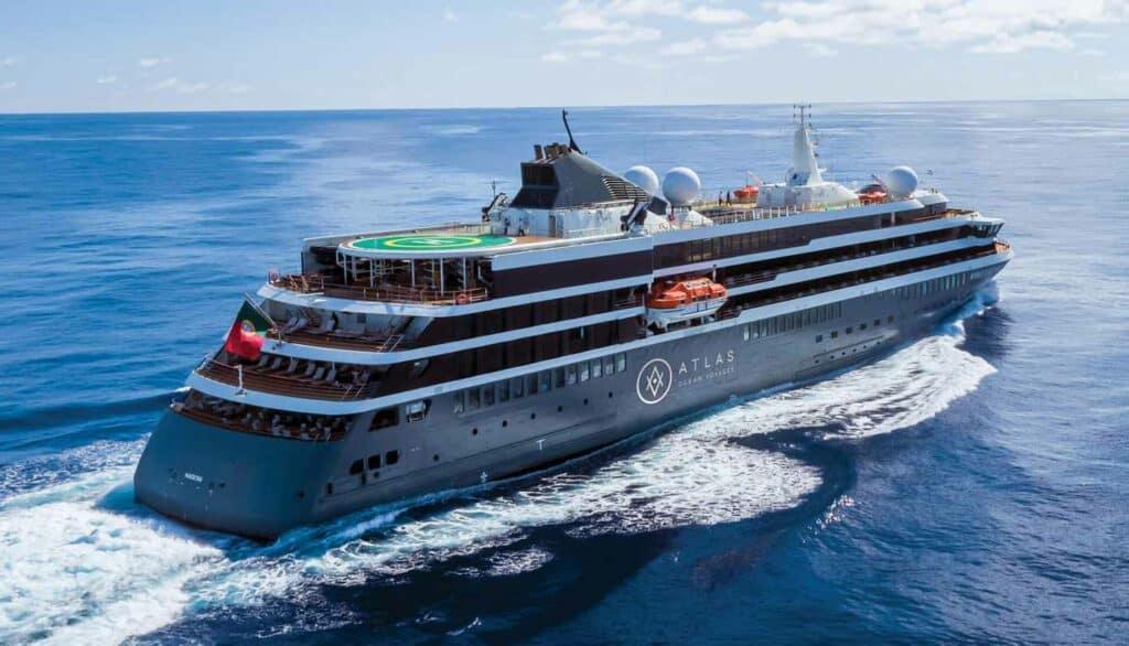 Brand new cruise ship sailing towards the horizon.