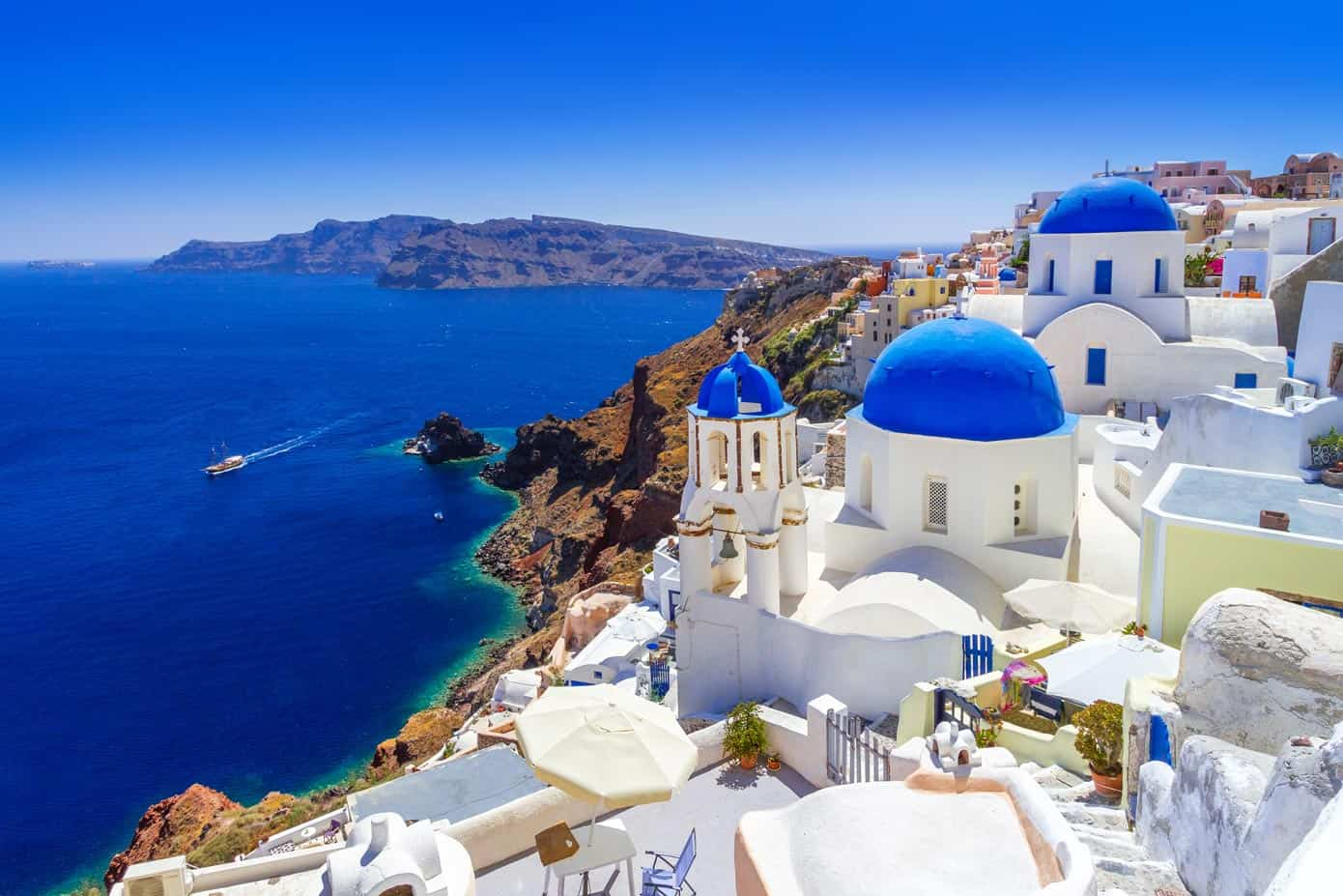 Beautiful blue and white Oia town on Santorini Island, Greece.